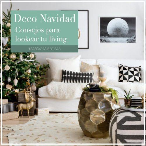Living decorado de navidad con sillón y arbolito
